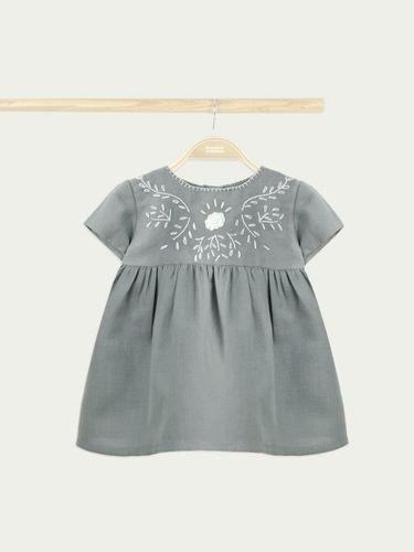 Bonnet a Pompon Детское платье с вышивкой