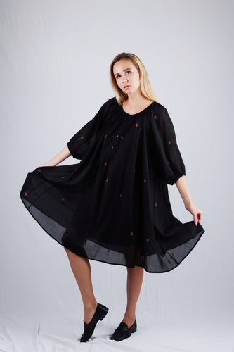 Mesdemoiselles  Paris Платье чёрное с вышивкой