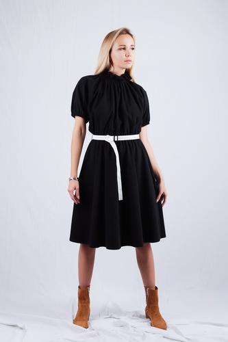 FUFA Платье с белым поясом